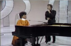 """""""Two Legends Collide: Watch Tom Jones and Little Richard sing 'Rip It Up'"""""""