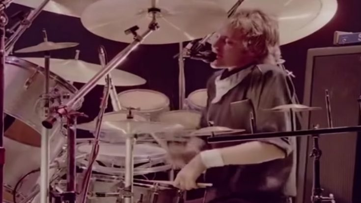 1981: Roger Taylor's Back Up Voice In 'Somebody To Love' Was Unbelievably Incredible | I Love Classic Rock Videos