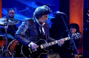 Watch Ronnie Wood Upfront Cover Of Johnny B. Goode