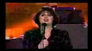 Linda Ronstadt's Version Of 'Anyone Who Had Heart' Melts Our Hearts