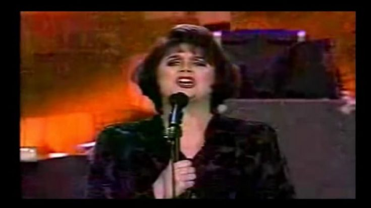 Linda Ronstadt's Version Of 'Anyone Who Had Heart' Melts Our Hearts   I Love Classic Rock Videos